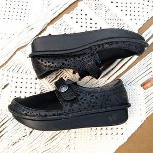 Brenna Claddagh Shoe